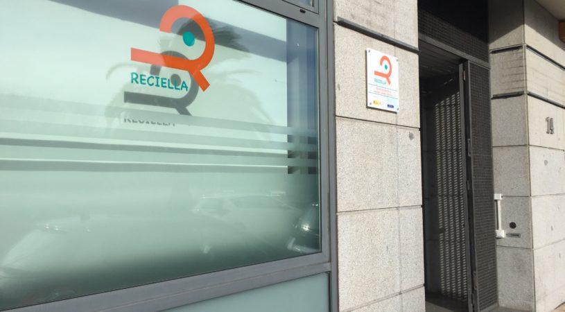 fachada centro Reciella en Gijón